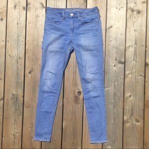 American Eagle Light Wash Skinny Jeans